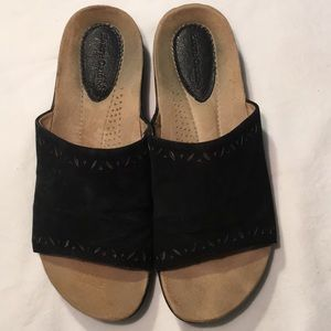 Earth Origins Valorie Slip On With The Toes Out